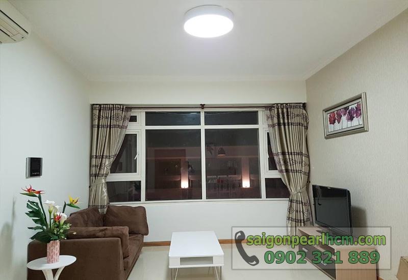 Căn hộ cho thuê Saigon Pearl 2 phòng ngủ - phòng khách có cửa kính lớn
