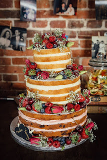 strawberry-shortcake-victoria-sponge-wedding-cake