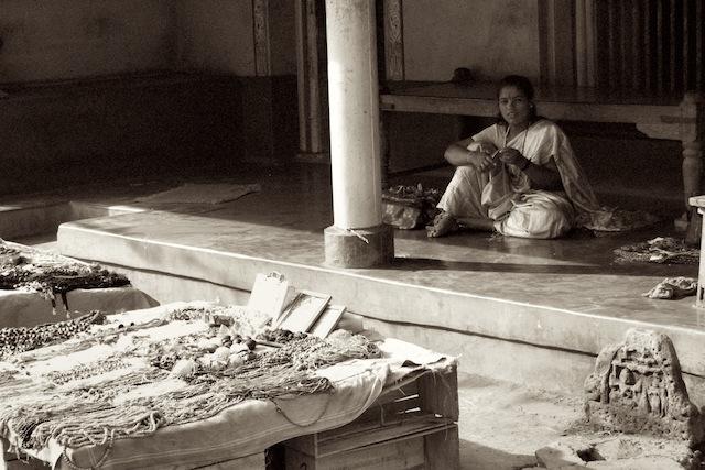 Nainen Intian Gokarnassa v. 2007