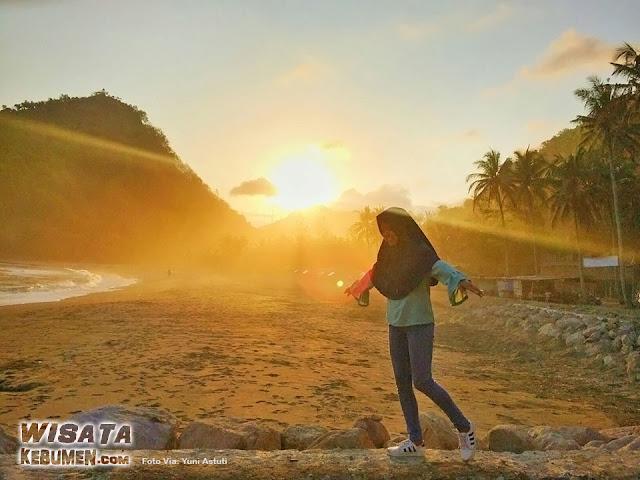 Sunset di Pantai Karangbolong Kebumen