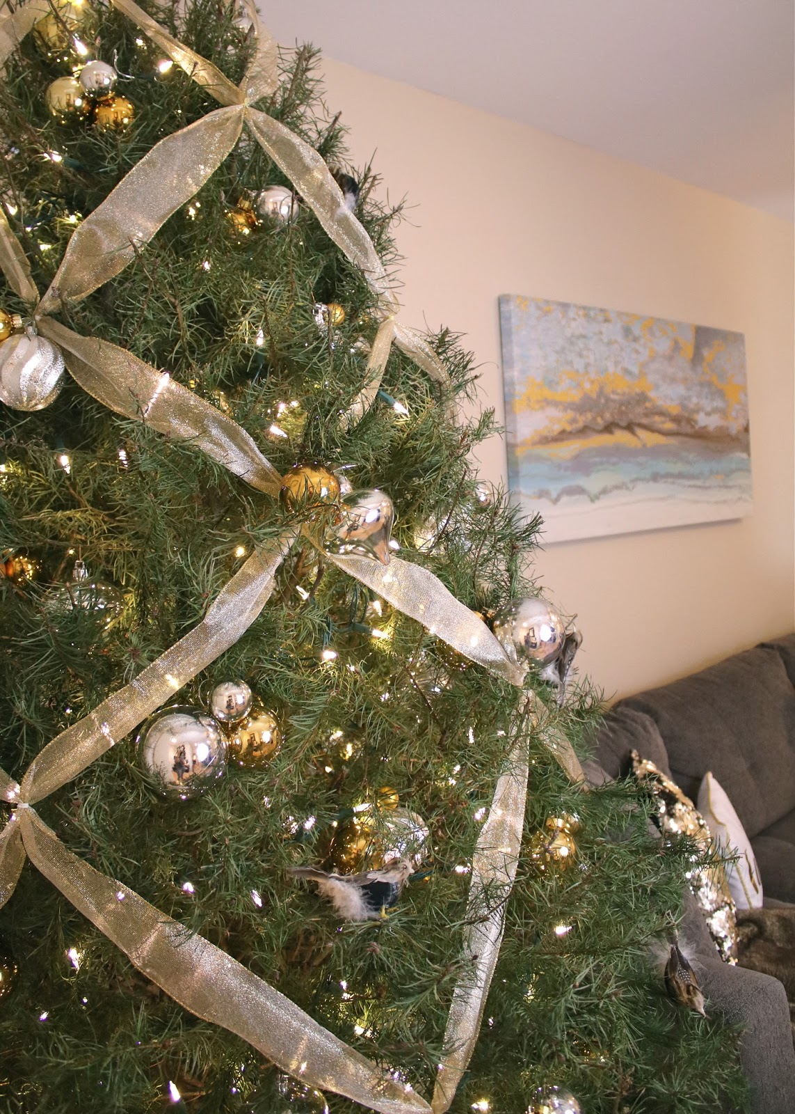 Criss cross ribbon Christmas Tree, Christmas Tree silver and gold, living room Christmas tree