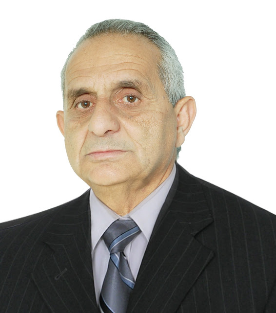 صور شخصية للاستاذ عبد الحميد دغبار