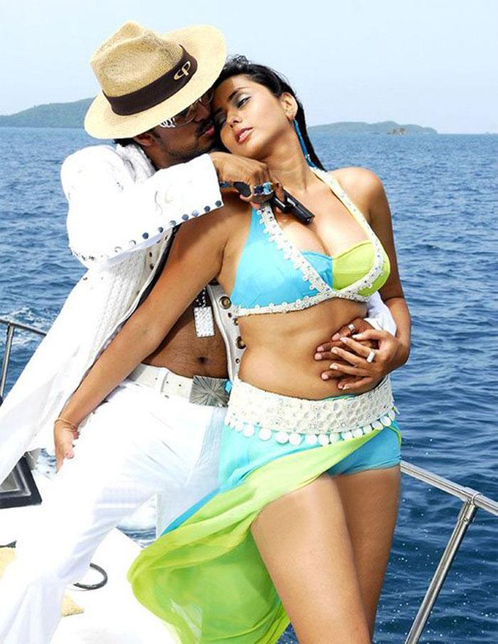 Namitha nude sex kiss good idea