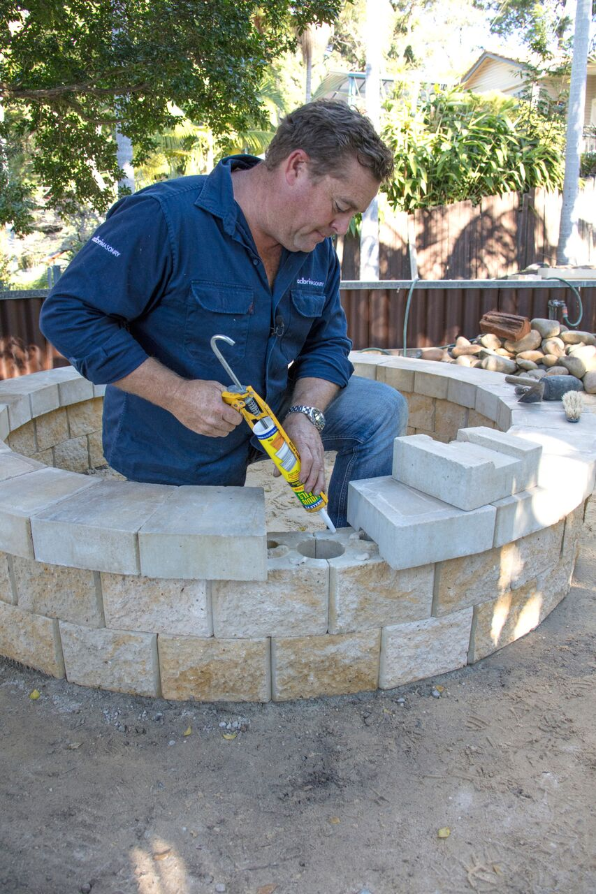 La maison jolie a step by step guide to building your own for Step by step fire pit