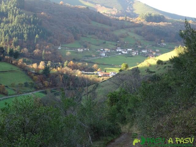 Dolmen de Merillés: Bajando a Tuña