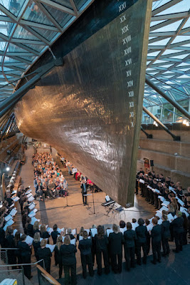 The Sirens' Voice: Magnificent Women - London Oriana Choir, Dominic Ellis-Peckham at at the Cutty Sark, 21st June 2018 (Photo Kathleen Holman)