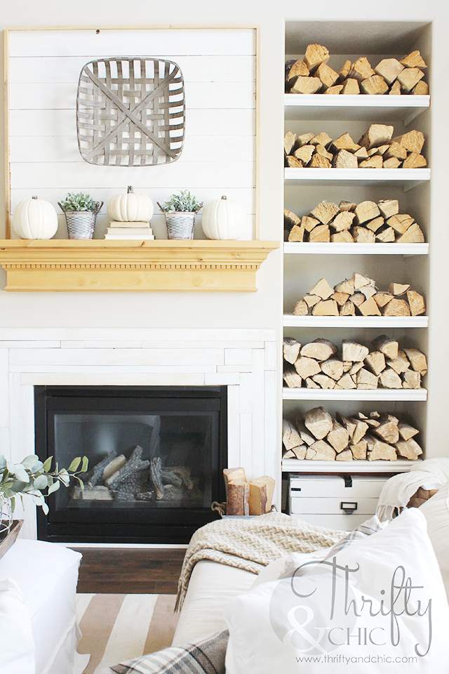 Farmhouse Fall decor and decorating ideas. Neutral fall decor. Neutral Fall mantel decorating ideas. Living room fall decor and decorating ideas