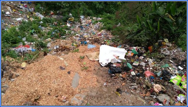 Garbage at Chhyangkhola Mungpoo