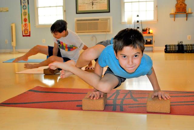 Nên thúc đẩy cho trẻ thực hành Yoga tại sao vậy ?