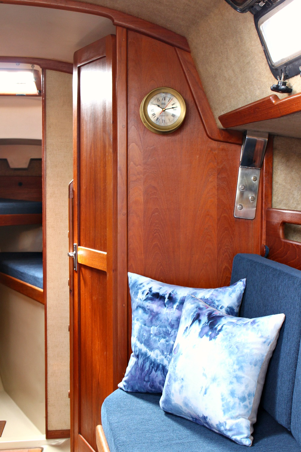 Tour The Before And After Of This Updated Ticon 20 Sailboat Danslelakehouse