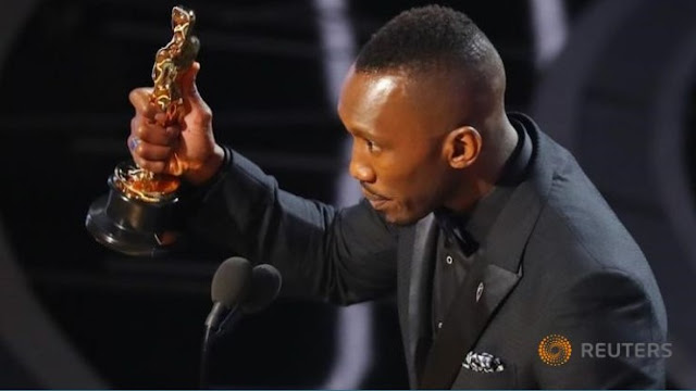 Marak Islamfobia di Amerika, Pria Ini Buktikan dengan Jadi Aktor Muslim Pertama yang Menang Piala Oscar