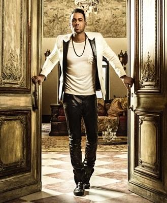 Sesión fotográfica de Romeo Santos con cuero