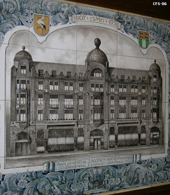 Hotel Central, Lange Poten 10, The Hague - circa 1932  (from If Then Is Now site)