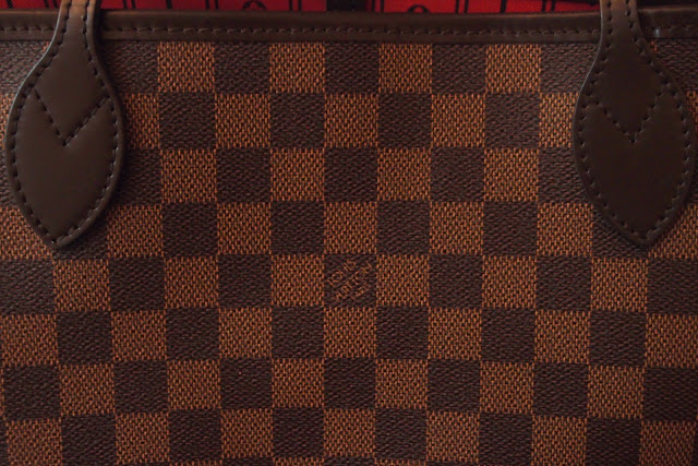 Louis Vuitton places the same number of stitches in the same locations on  similar bags. So if you know a particular style of ... 7e62bfd985853