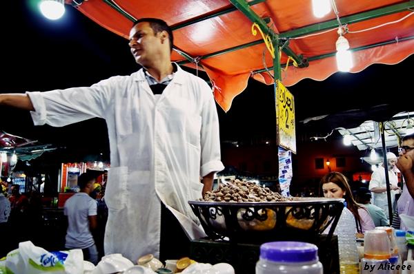 melci-in-Marrakech-piata-Djemaa-el Fna
