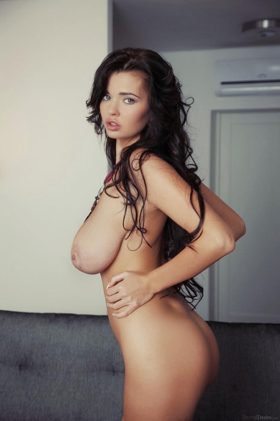 Sophie rundle huge natural boobs in episodes series