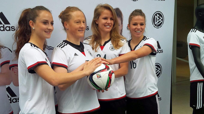 fea30febf9a75 A seleção feminina da Alemanha já está focando suas atenções para a Copa do  Mundo do Canadá
