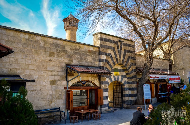 Traveling by default.: Historical mosques of Gaziantep