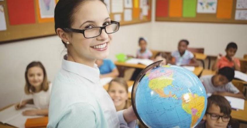 Innovaciones en las políticas curriculares (Hugo Diaz)
