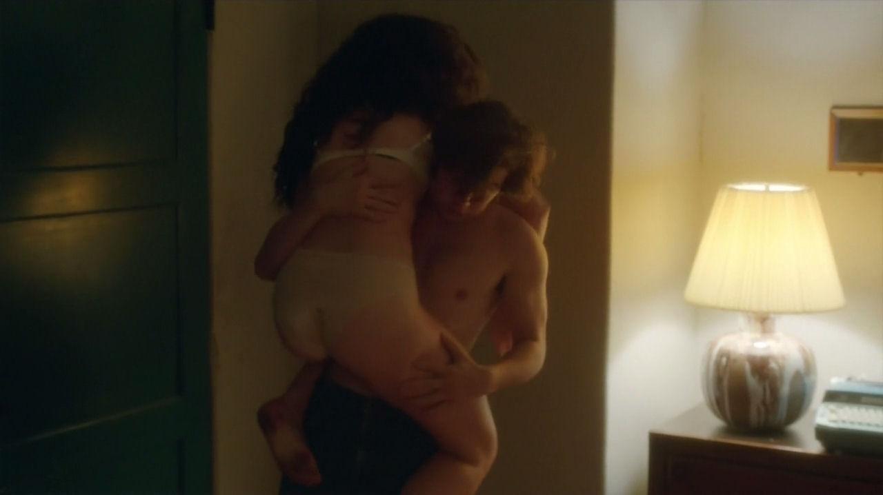 bikini-julia-stiles-sex-scenes-nude-images-tits