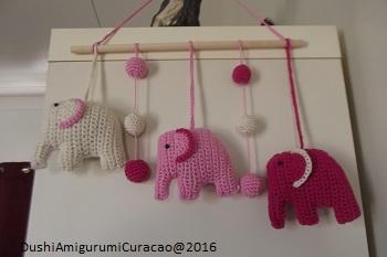 Dushi Amigurumi Curacao Haakpatroon Hanger Babykamer Olifantjes