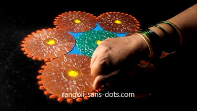 rangoli-craft-with-old-Cds-buds-1112ac.jpg