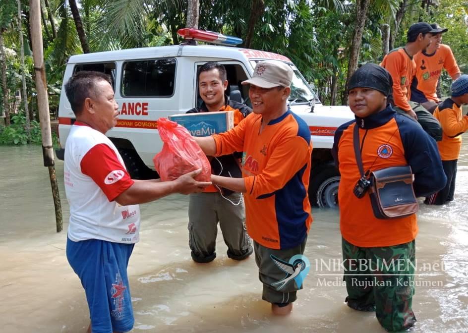 Banjir Kebumen, MDMC Siapkan Ribuan Nasi Bungkus untuk Pengungsi