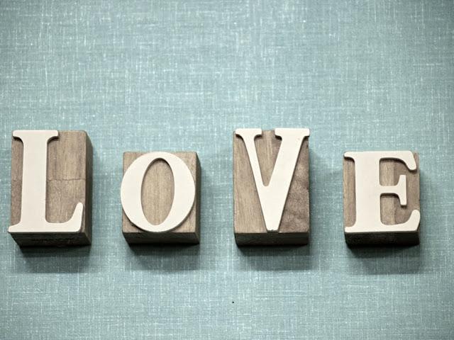 تحميل اجمل رسائل عيد الحب 2017 رومانسية HD