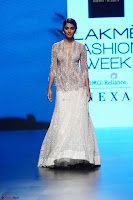 Lakme Fashion Week 2018   Pooja Hegde at Lakme Fashion Week 2018 on 4th Feb 2018 2 ~  Exclusive 028.JPG
