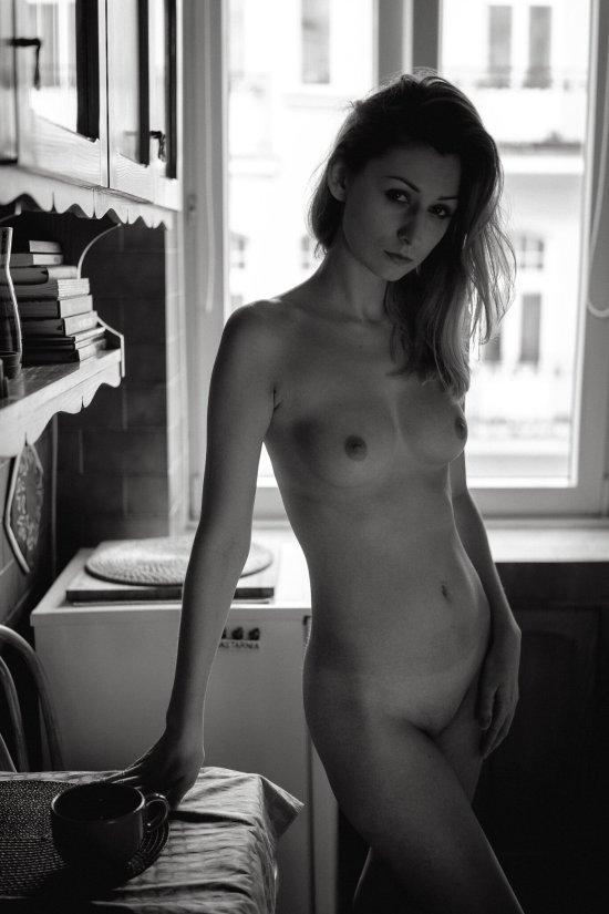 modelo polonesa Monika Lipigórska fotografia preto e branco Marcin Krystyniak - Keep it tasteful - RektMag