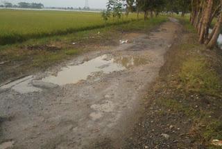 Jalan Rusak, Warga Dua Desa di Sukolilo Kesulitan Angkut Hasil Bumi