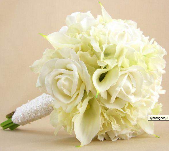 White Wedding Flower Arrangements: Beautiful White Wedding Flowers