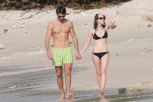 Emma Watson in the family happily embrace new boyfriend