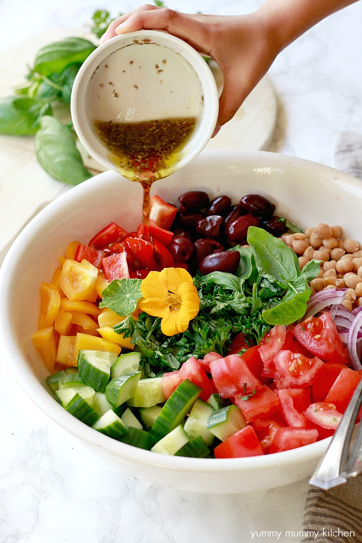 Healthy vegan Greek salad recipe with a light Greek salad dressing