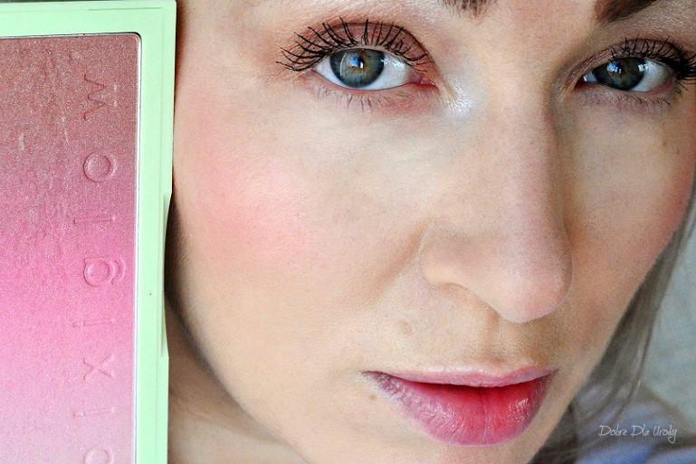 Pixi By Petra PixiGlow Cake -  Pink Champagne Glow - makijaż