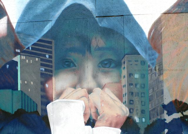 Street Art Bruxelles tag engagé enfant