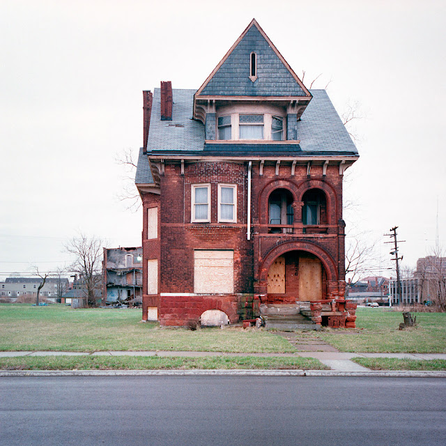 Deserted Places: Detroit's Abandoned Houses