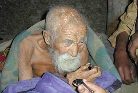 Mahashta Mûrasi não só o homem mais velho do mundo, mas também o que mais anos viveu na História, de acordo com o Guiness World Records