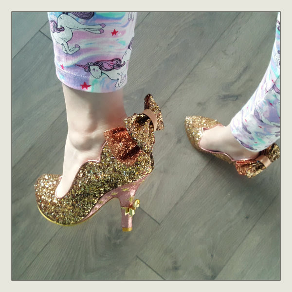 wearing irregular choice gracious dreamer bows