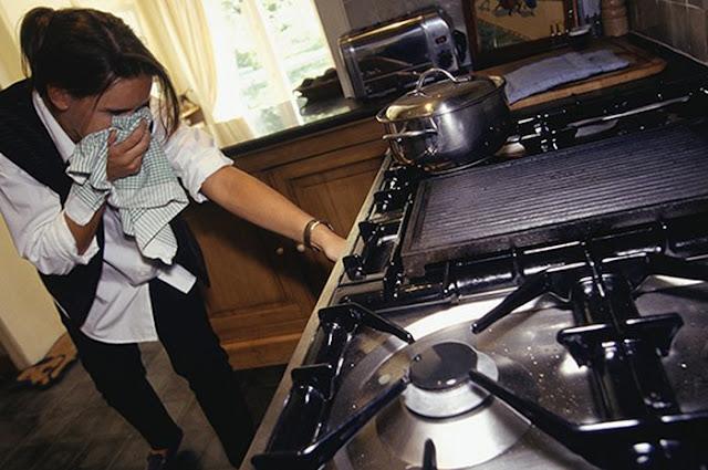 Tercium Bau Gas Menyengat Bikin Panik, Tenang ini yang Harus Kamu Lakukan