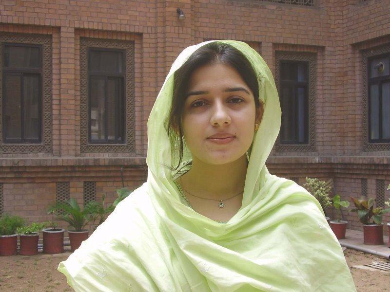 Muslim simple girl image