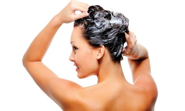 10 erros mais comuns que danificam os cabelos