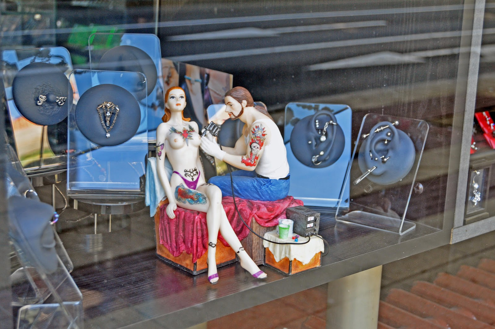 A yankee in belgrade body art for Tattoo shops belgrade mt