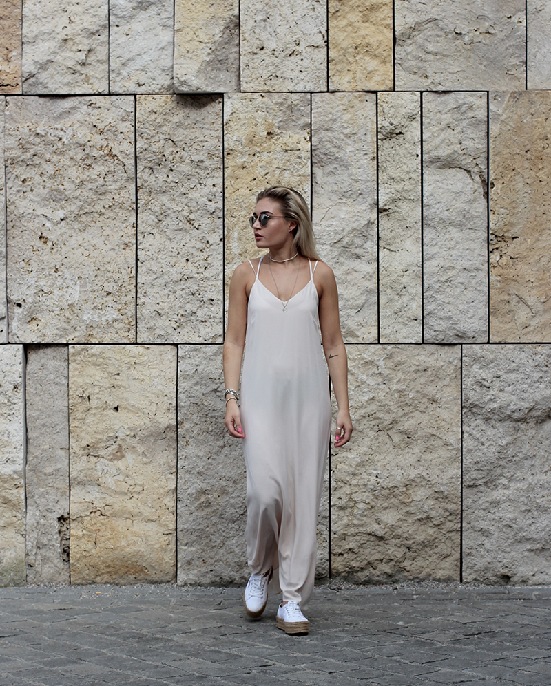 Konen-ootd-Outfit-Look-Style-Maxidress-Zadig and Voltaire-Tiger-Streetstyle-Blogger-Modeblog-Fashionblog-Munich-Muenchen-Deutschland-Lauralamode