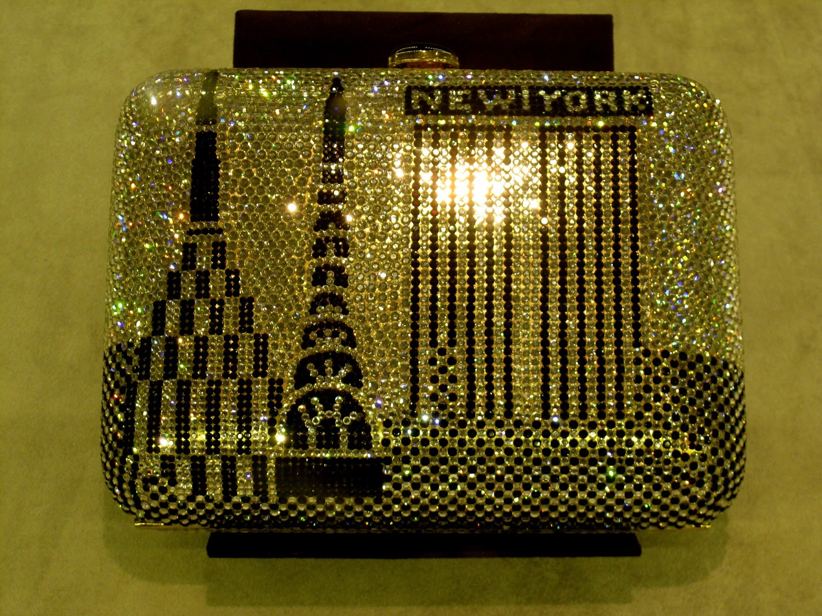Joan Rivers' Private Collection Judith Lieber Crystal Clutch [photo/edit by sookietex]