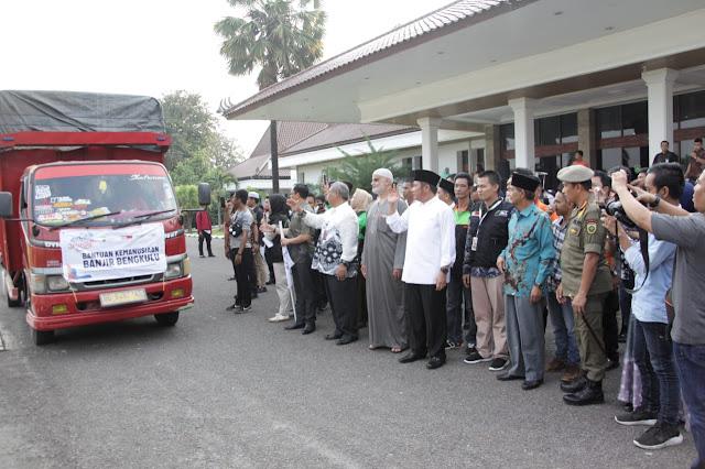 Herman Deru Berangkatkan Bantuan Kemanusian Korban Banjir di Bengkulu