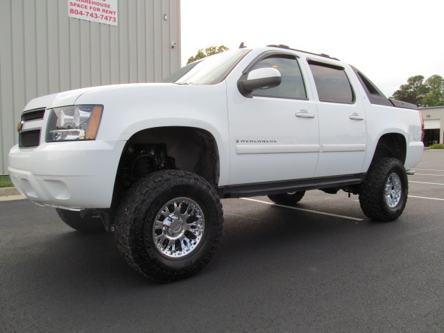 Rocky Ridge Trucks For Sale >> Lifted Trucks For Sale: 2007 Chevy Avalanche Lifted