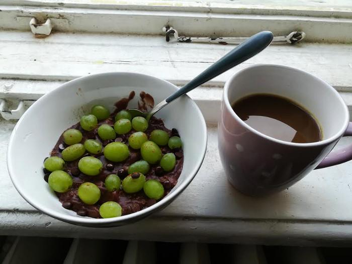Frühstück und Kaffee, erstes Handyfoto