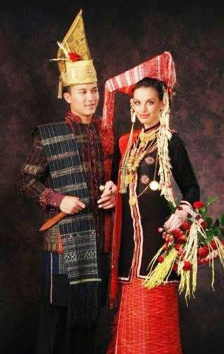 Keunikan Pakaian Adat Sunda : keunikan, pakaian, sunda, Wisata, Budaya:, Keunikan, Pakaian, Tradisional, Batak, Provinsi, Sumatera, Utara