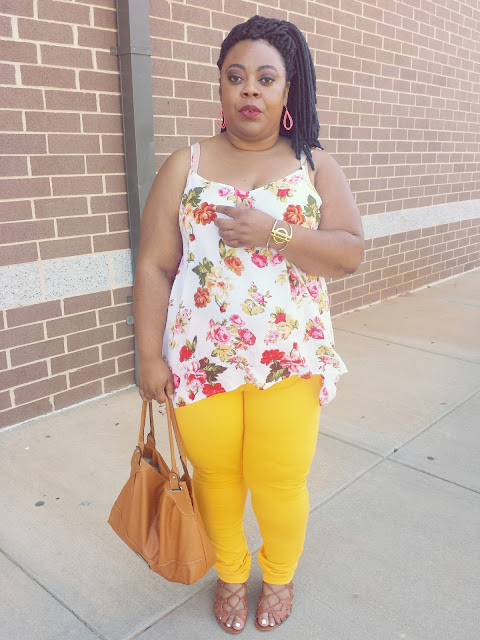 Kishina, summer 2016, floral blouse, trendy jeggings, curvy blogger